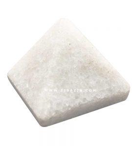 هرم سنگی اونتورین سفید